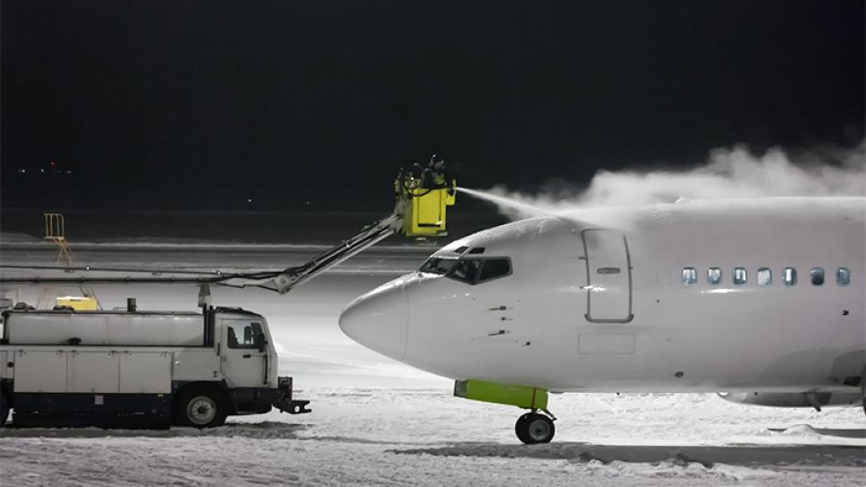 Deicing an aircraft - Vaisala Success Story